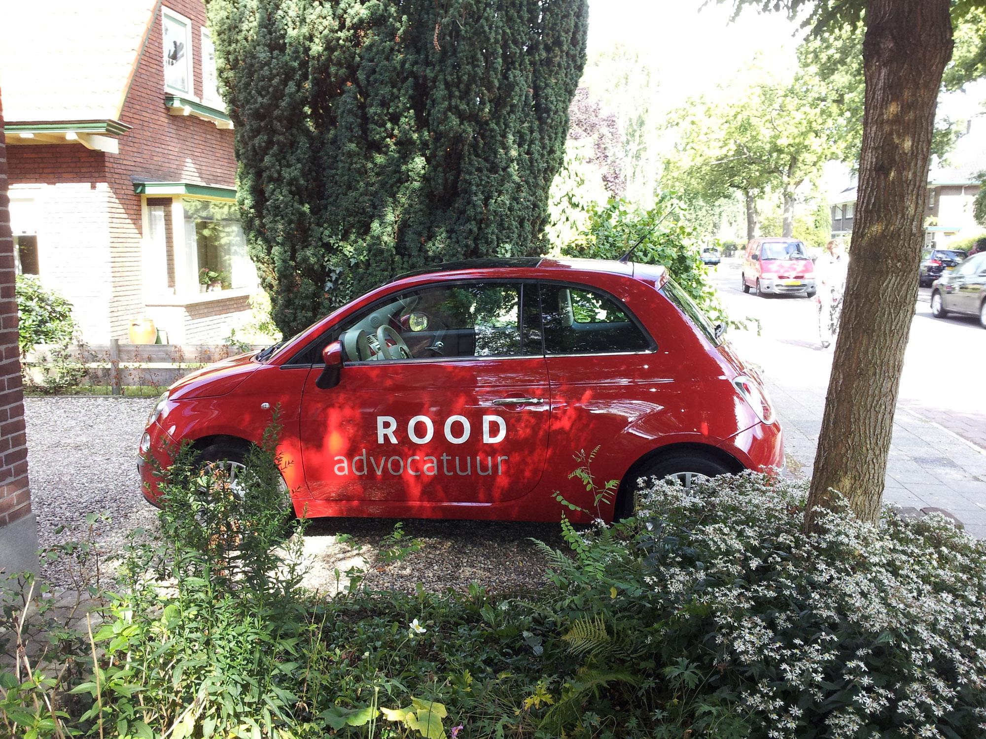 Roodadvocatuur-autobelettering